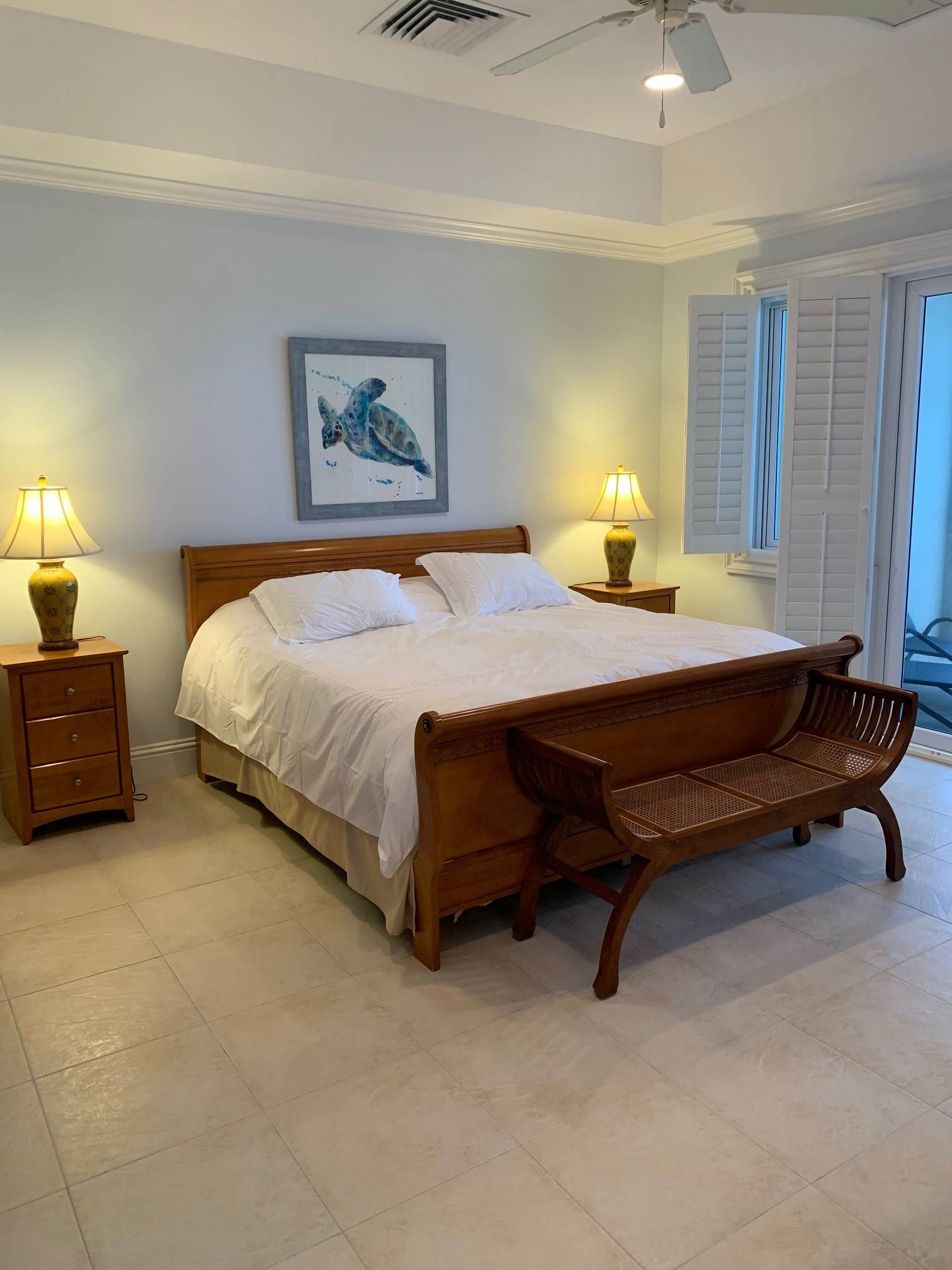 9. Co-op / Condo for Rent at Lovely Condominium with Spectacular Ocean Views on Cable Beach Cable Beach, Nassau And Paradise Island, Bahamas