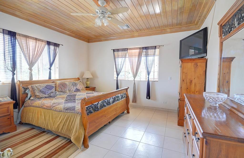 17. Single Family Homes for Sale at The Alexander Estate Eastern Road, Nassau And Paradise Island, Bahamas