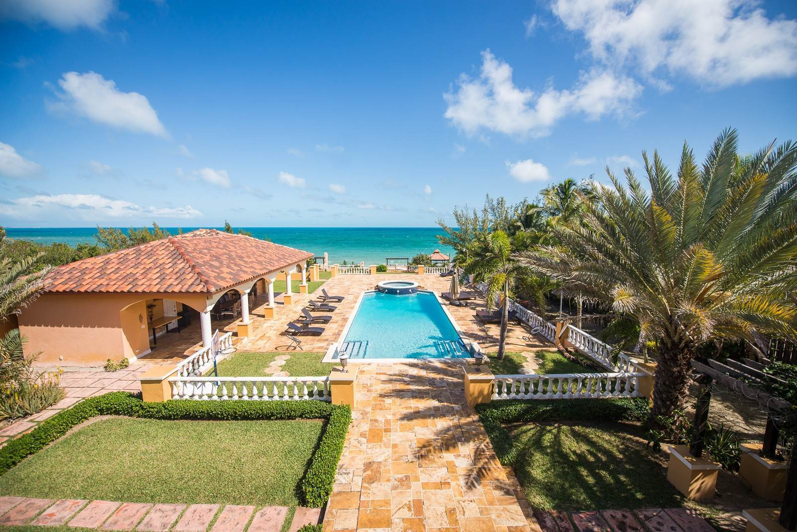 36. Single Family Homes for Sale at Exclusive Oceanside Eastern Jewel - Casa Al Mare - MLS 43222 Eastern Road, Nassau And Paradise Island, Bahamas