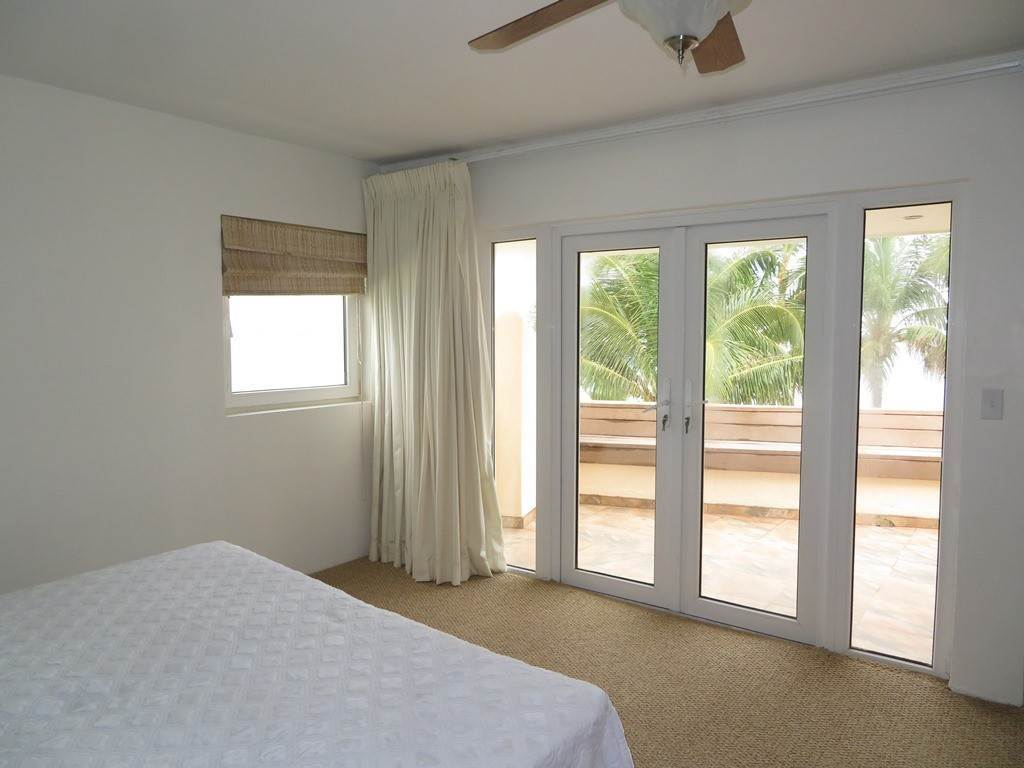 16. Co-op / Condo for Rent at Beachfront Corner unit Townhouse on Paradise Island Paradise Island, Nassau And Paradise Island, Bahamas