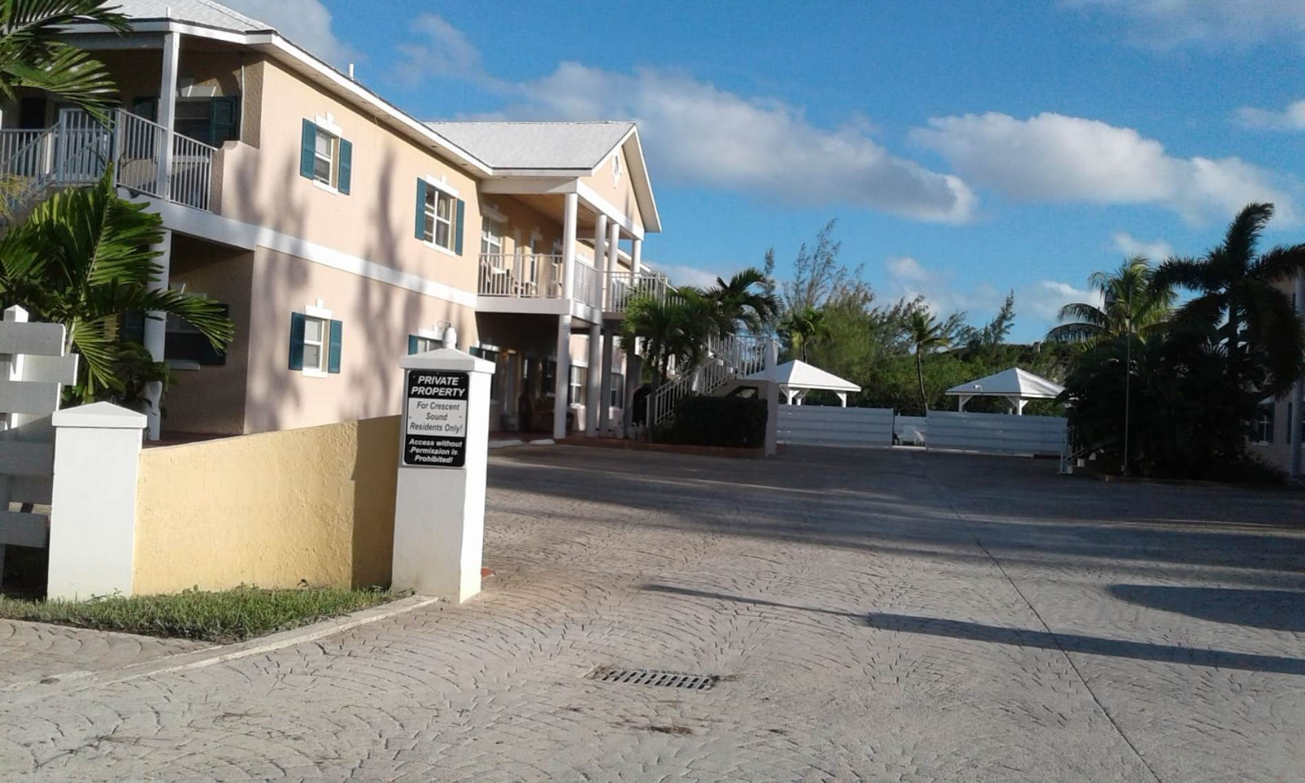 17. Single Family Homes for Sale at Unfinished House for Sale Near Jolly Hall Beach - MLS 35899 Bahama Sound, Exuma, Bahamas