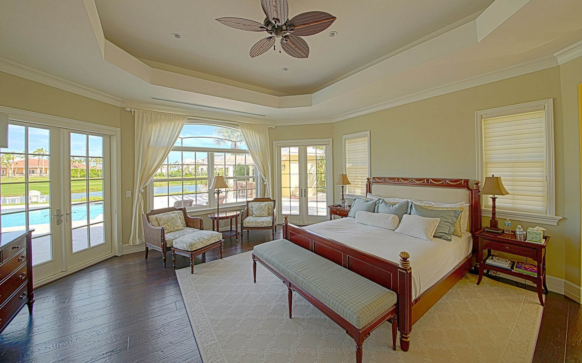 17. Single Family Homes for Rent at Ocean Club Estates home on large lot with Panoramic views Ocean Club Estates, Paradise Island, Nassau And Paradise Island Bahamas