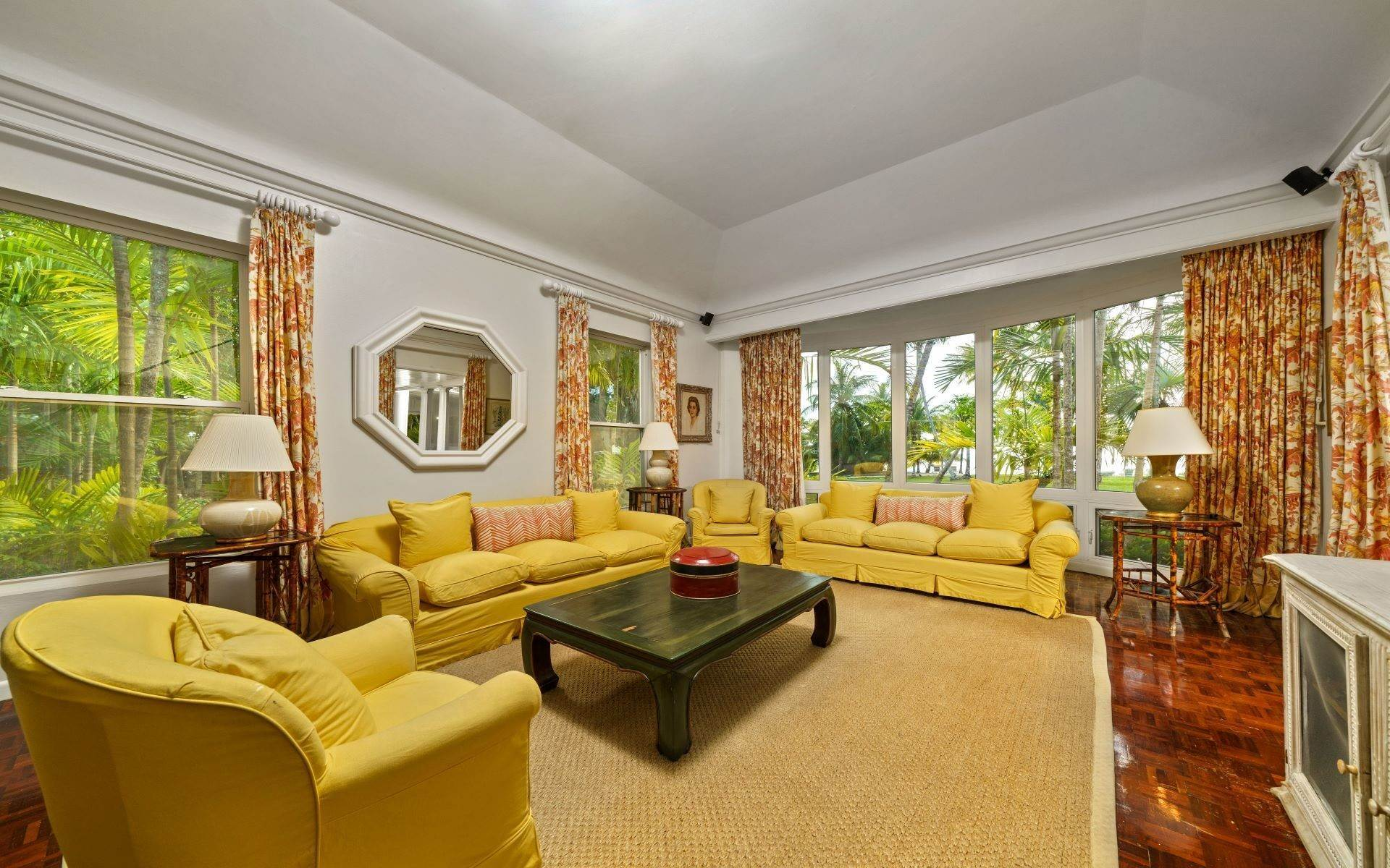 16. Single Family Homes for Rent at Magnificent Lyford Cay Beachfront Estate Lyford Cay, Nassau And Paradise Island, Bahamas