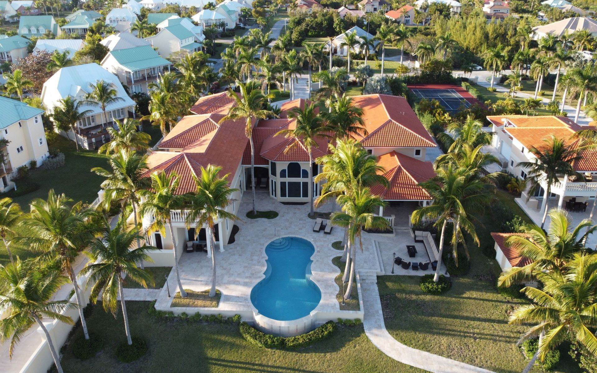 8. Single Family Homes for Sale at The Grand Estate at Fortune Cay - MLS 44053 Fortune Cay, Freeport and Grand Bahama, Bahamas