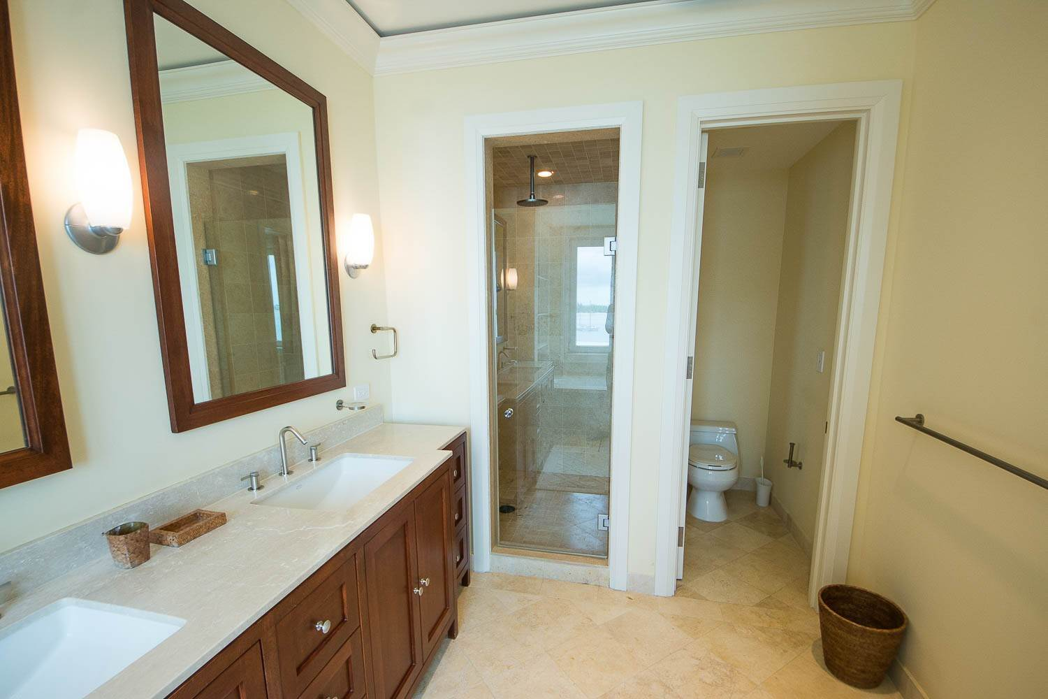 10. Co-op / Condo for Rent at Opulent Apartment in the Ocean Club Residences Ocean Club Residences and Marina, Paradise Island, Nassau And Paradise Island Bahamas