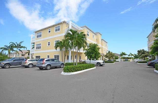 15. Co-op / Condominio por un Alquiler en Condo Near Cable Beach Westridge Estates, Westridge, Nueva Providencia / Nassau Bahamas