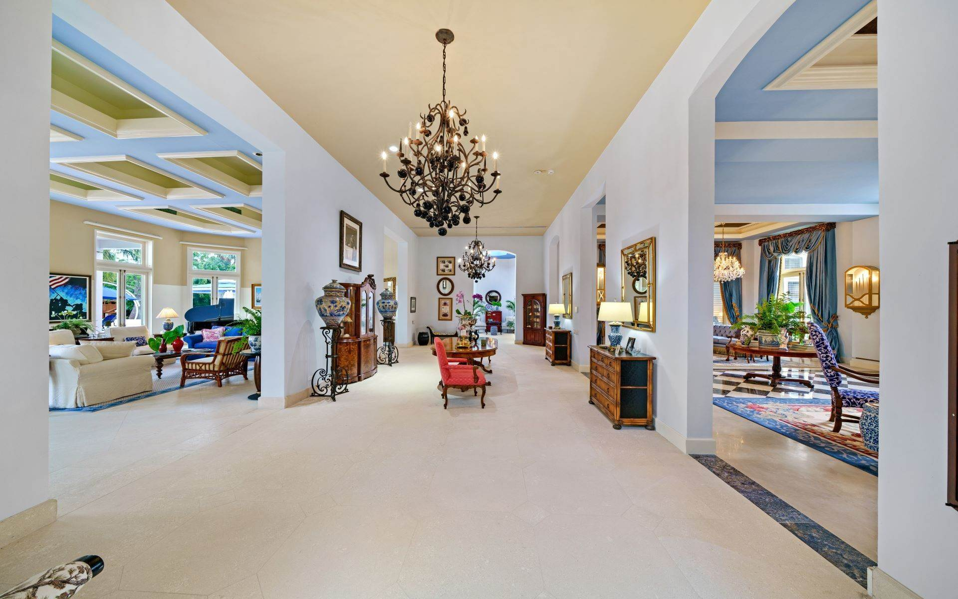 23. Single Family Homes for Sale at Luxurious Lyford Cay Canalfront Estate - MLS 40934 Lyford Cay, Nassau And Paradise Island, Bahamas