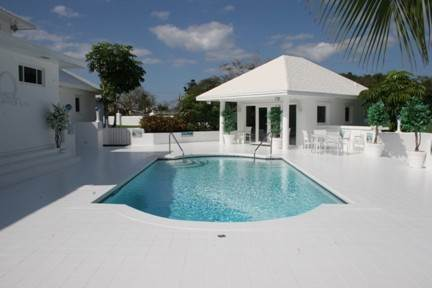 17. Single Family Homes for Sale at 2.6-Acre Estate Home Nassau And Paradise Island, Bahamas