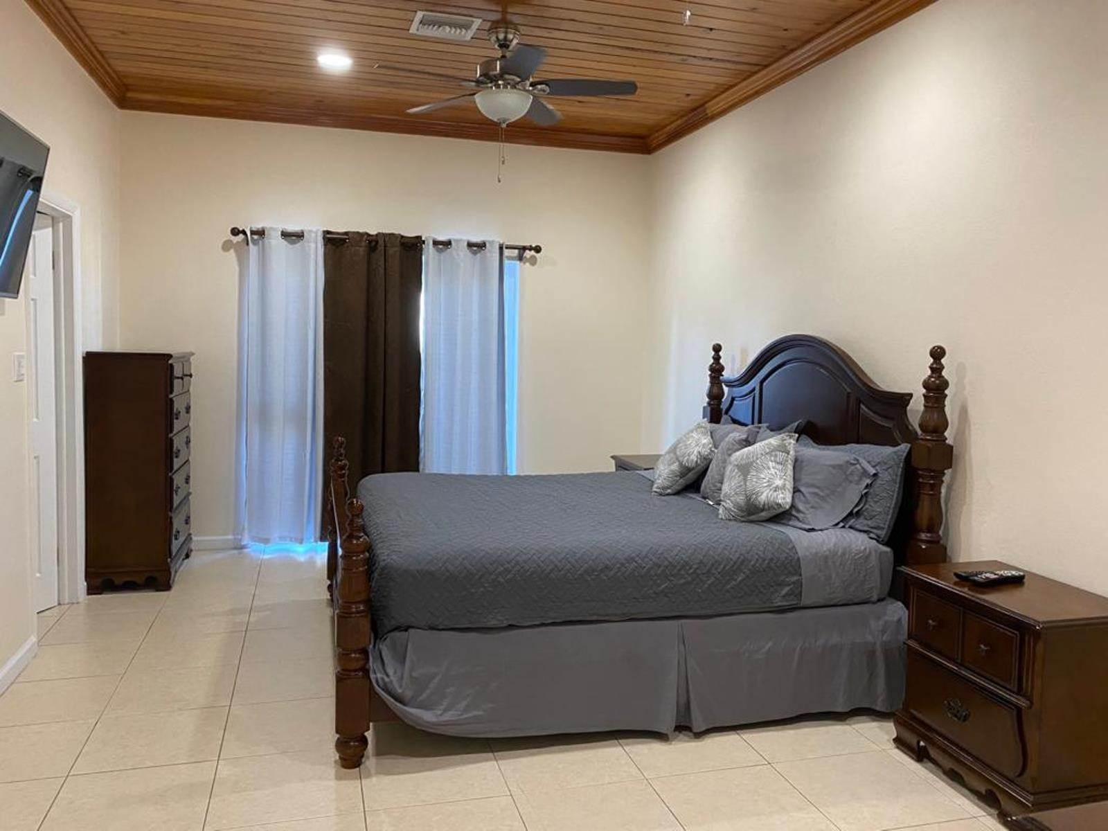5. Co-op / Condo for Rent at Immaculate Townhouse in the heart of Cable Beach Cable Beach, Nassau And Paradise Island, Bahamas