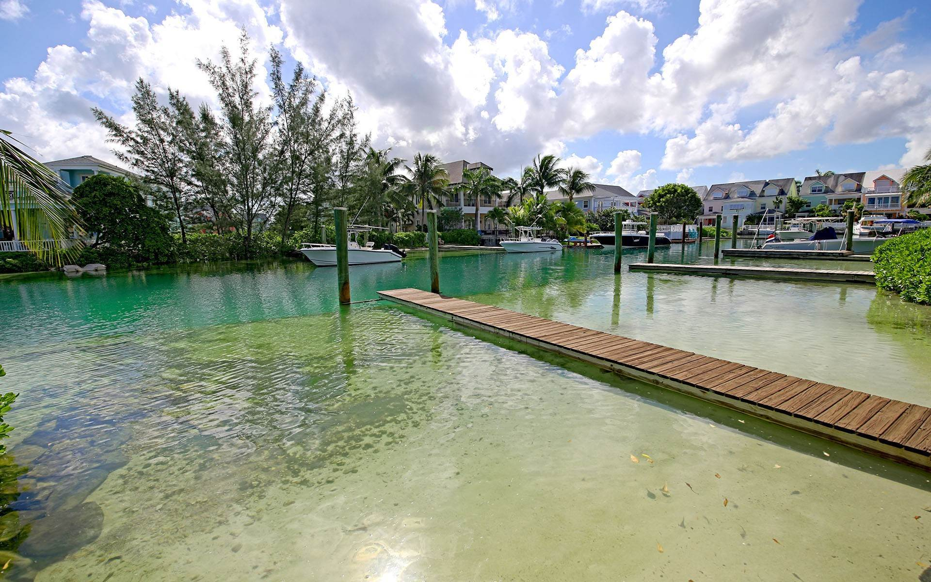 18. Single Family Homes for Rent at Home with dock space Jacaranda Sandyport Sandyport, Cable Beach, Nassau And Paradise Island Bahamas