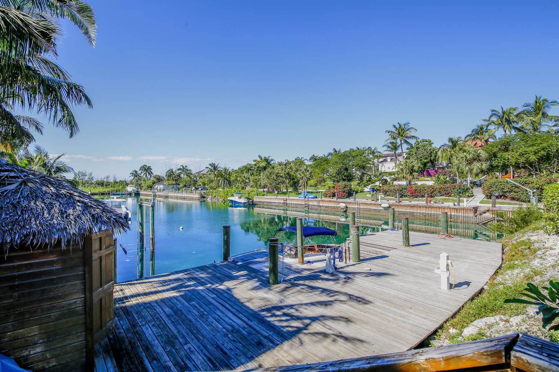 22. Single Family Homes for Rent at Canal Front Ocean Drive Home in Old Fort Bay Old Fort Bay, Nassau And Paradise Island, Bahamas
