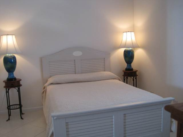 11. Co-op / Condominio por un Venta en Private Beachfront Gated Community Nueva Providencia / Nassau, Bahamas