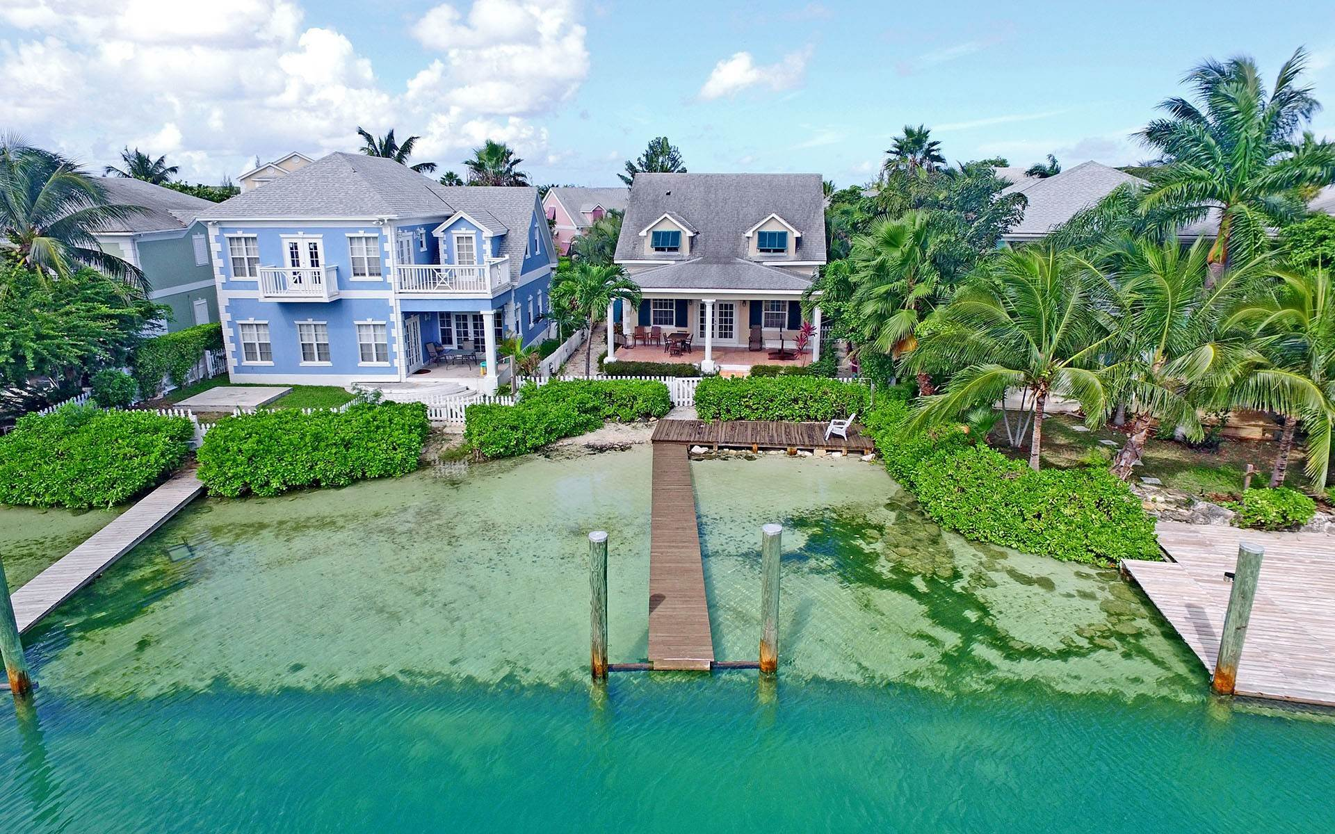 19. Single Family Homes for Rent at Home with dock space Jacaranda Sandyport Sandyport, Cable Beach, Nassau And Paradise Island Bahamas