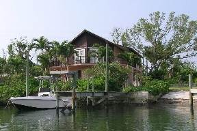 4. Single Family Homes por un Alquiler en A Rental With A Dock Slip At Your Back Door! - Exciting NEW PRICE Deduction! Marsh Harbour, Abaco, Bahamas