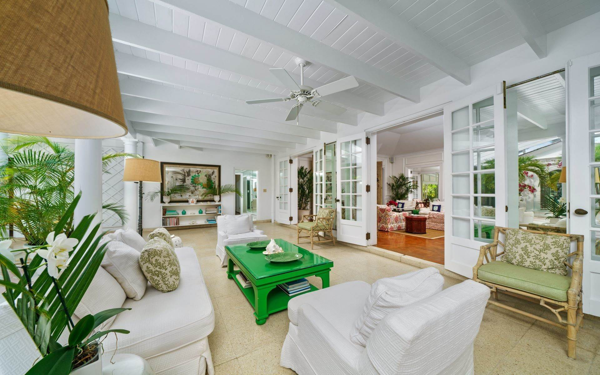 8. Single Family Homes for Rent at Magnificent Lyford Cay Beachfront Estate Lyford Cay, Nassau And Paradise Island, Bahamas