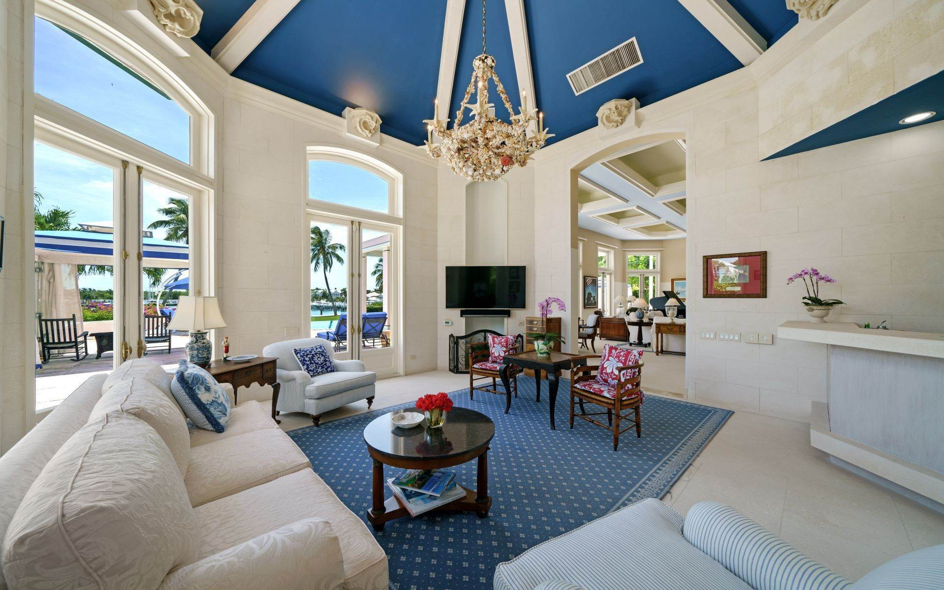 5. Single Family Homes for Sale at Luxurious Lyford Cay Canalfront Estate - MLS 40934 Lyford Cay, Nassau And Paradise Island, Bahamas