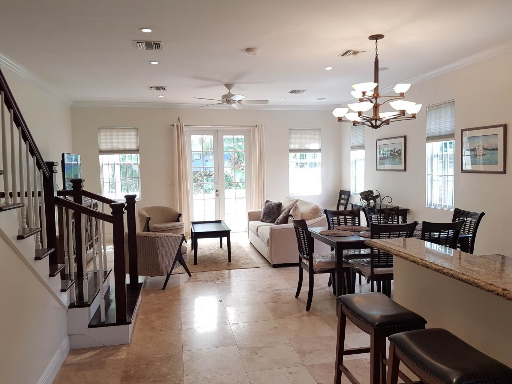 19. Co-op / Condo for Rent at Beautiful Balmoral Townhome Nassau And Paradise Island, Bahamas