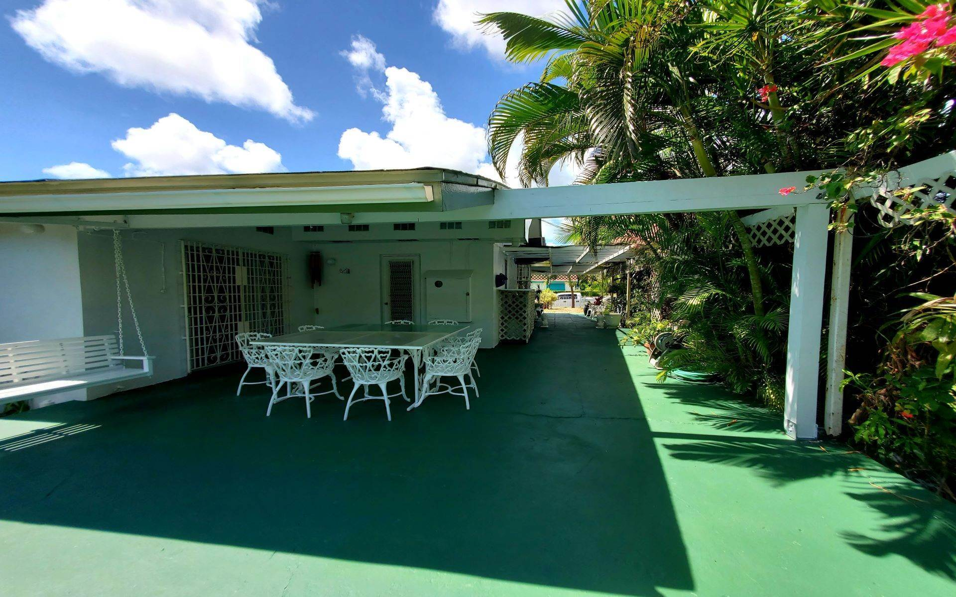 19. Single Family Homes for Rent at Monastery Park Home - MLS 42054 Monastery Park, Nassau And Paradise Island, Bahamas