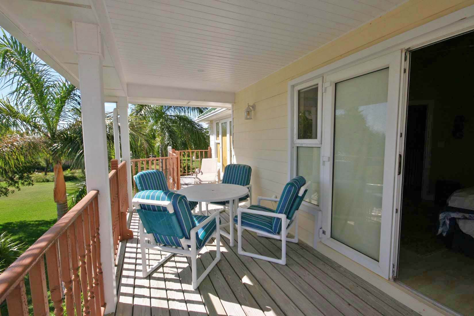 18. Single Family Homes for Rent at Island Style Home in Gated Beachfront Community of Shoreline. Shoreline, Lucaya, Freeport And Grand Bahama Bahamas
