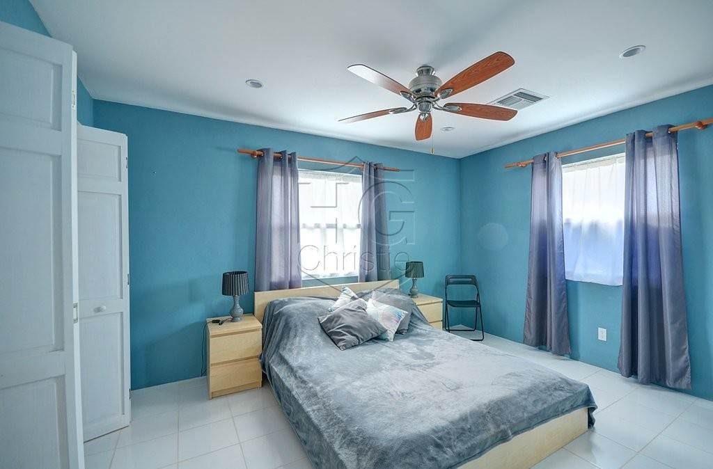 19. Single Family Homes for Rent at Modern family home in the East - MLS 40048 Camperdown, Nassau And Paradise Island, Bahamas