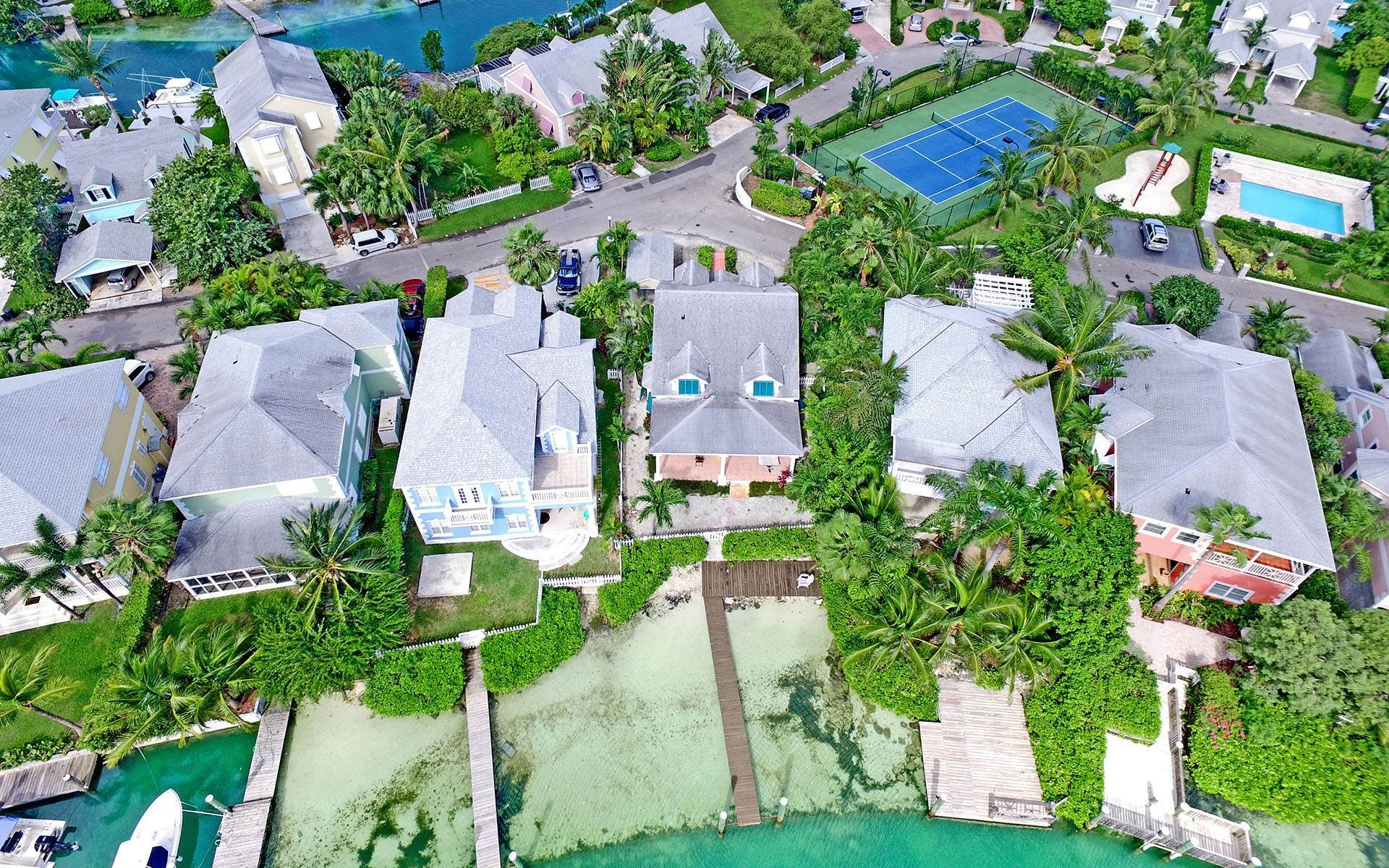 20. Single Family Homes for Rent at Home with dock space Jacaranda Sandyport Sandyport, Cable Beach, Nassau And Paradise Island Bahamas