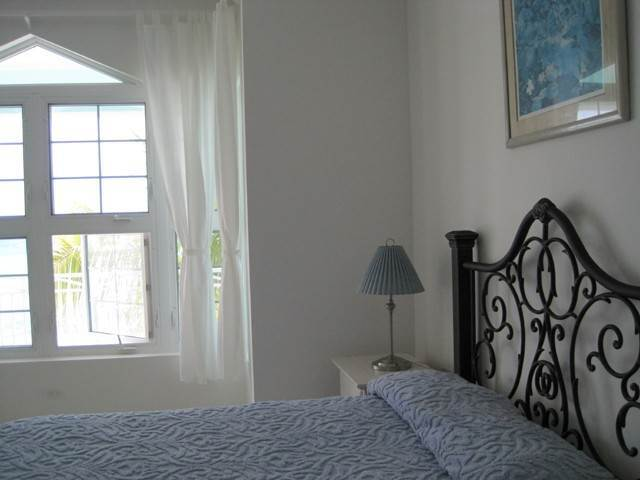 12. Co-op / Condominio por un Venta en Private Beachfront Gated Community Nueva Providencia / Nassau, Bahamas