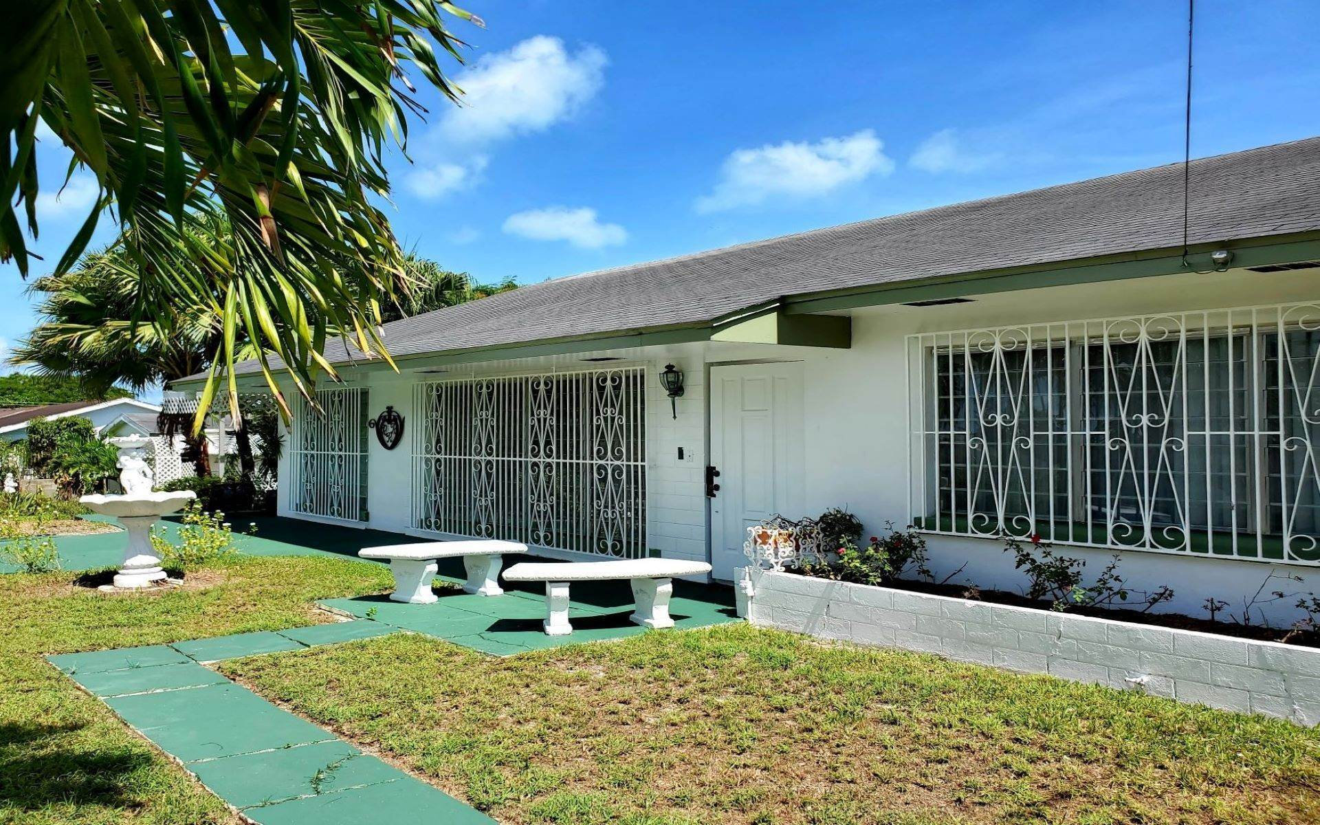 20. Single Family Homes for Rent at Monastery Park Home - MLS 42054 Monastery Park, Nassau And Paradise Island, Bahamas