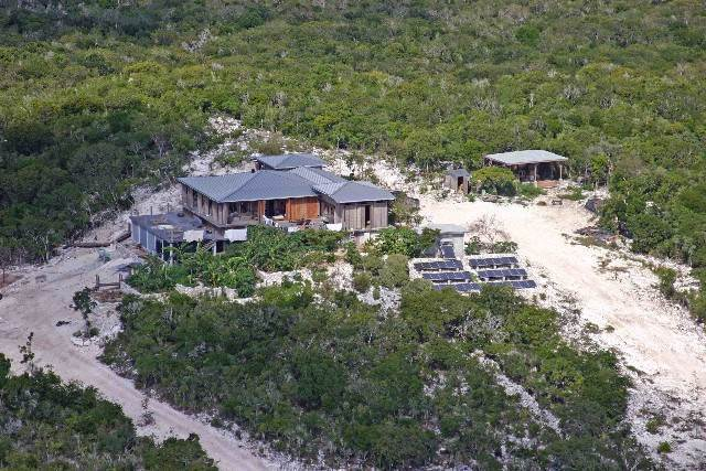 4. Single Family Homes for Sale at Off-the-Grid Showpiece Retreat Cat Island, Bahamas