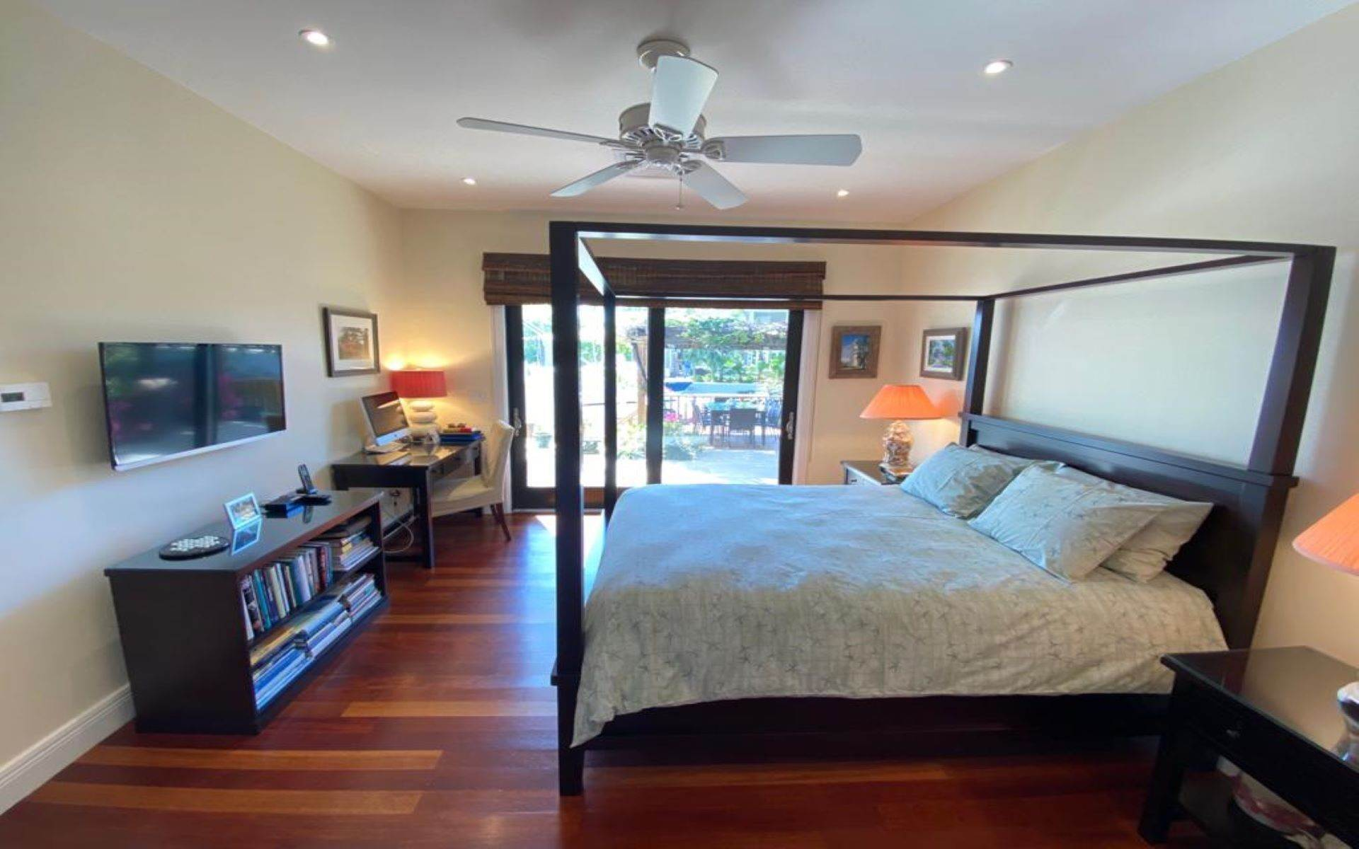 20. Single Family Homes for Sale at Immaculate House on Venetian Lane in Old Fort Bay Old Fort Bay, Nassau And Paradise Island, Bahamas