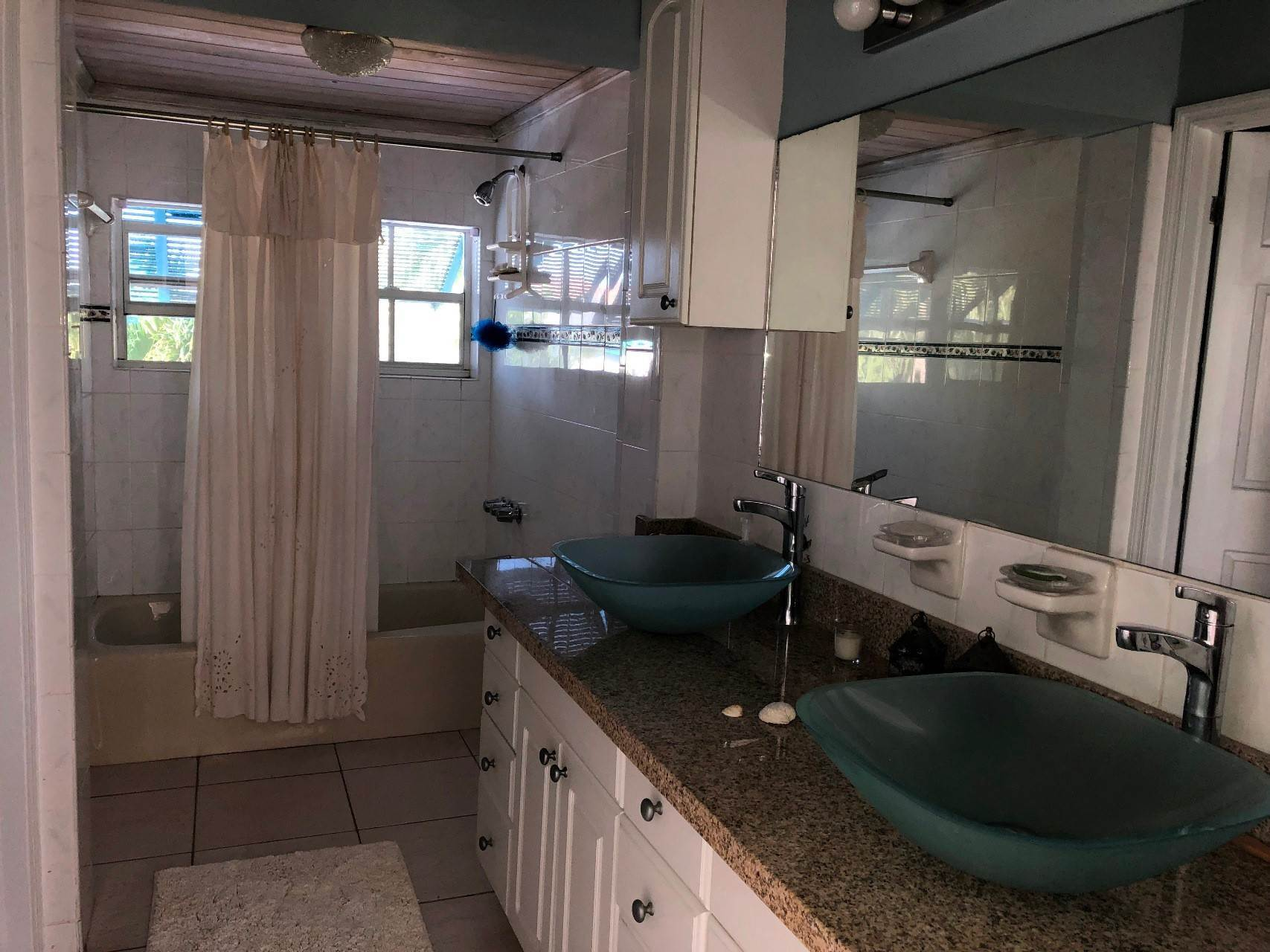 14. Co-op / Condo for Rent at #18 Sandyport Residence Sandyport, Cable Beach, Nassau And Paradise Island Bahamas