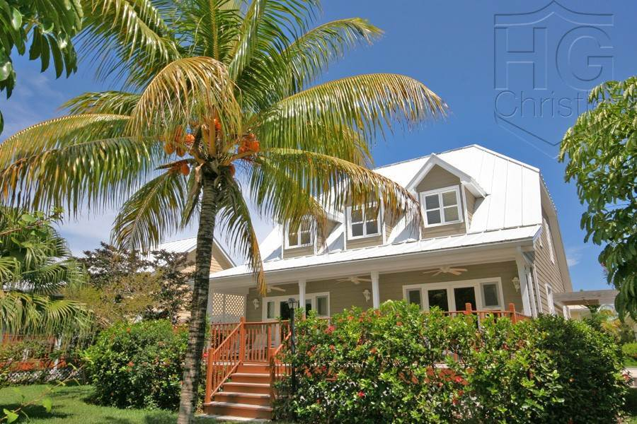 2. Single Family Homes por un Alquiler en Island Home in Shoreline, Fortune Beach, Lucaya Shoreline, Lucaya, Gran Bahama Freeport Bahamas