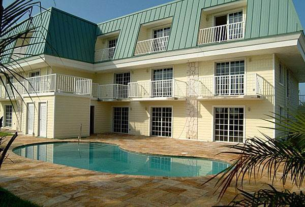 2. Co-op / Condo for Rent at Colindale Condominium Bahamia Reef, Freeport And Grand Bahama, Bahamas