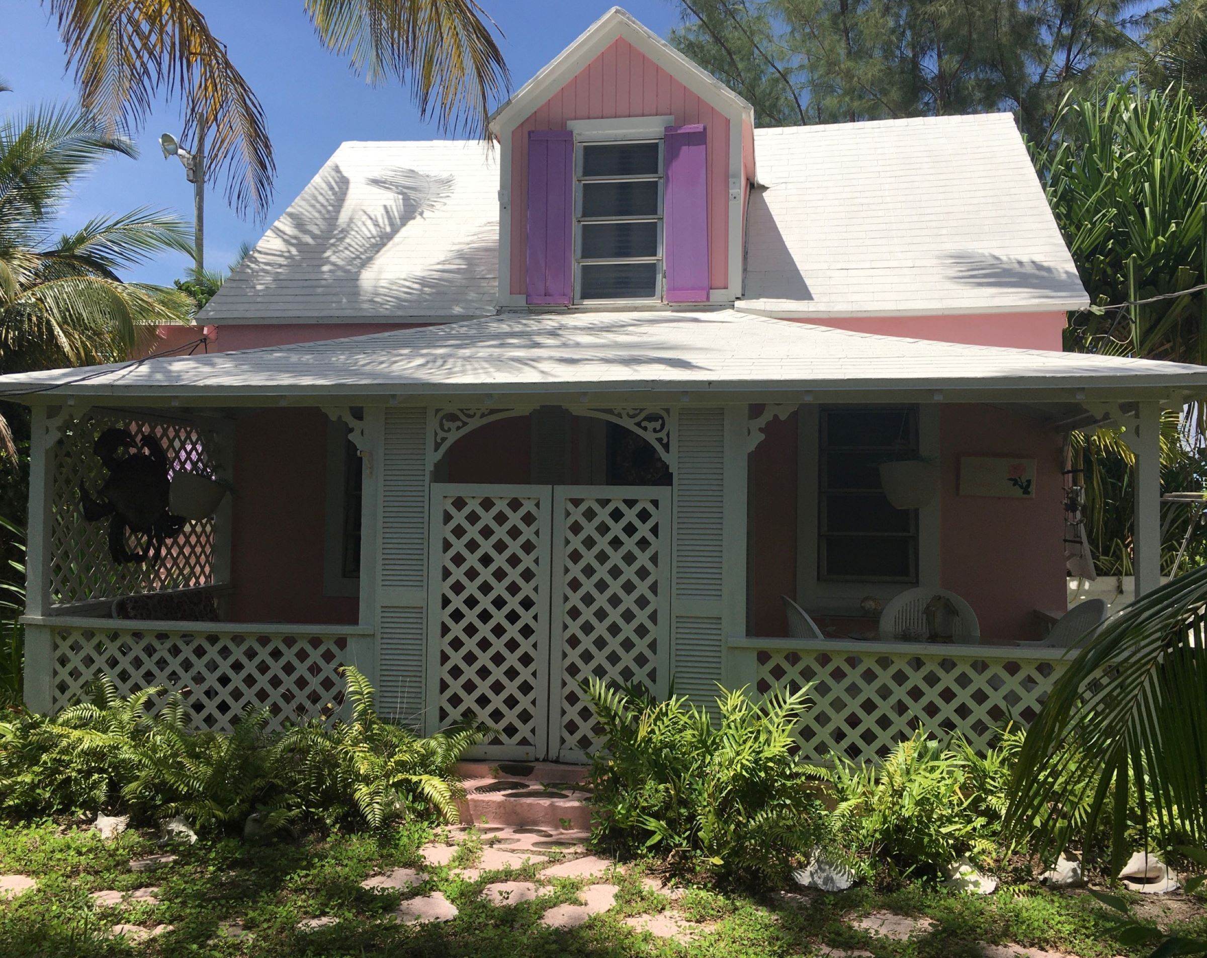 2. Single Family Homes for Sale at Quaint Historic Spanish Wells Cottage Spanish Wells, Eleuthera, Bahamas