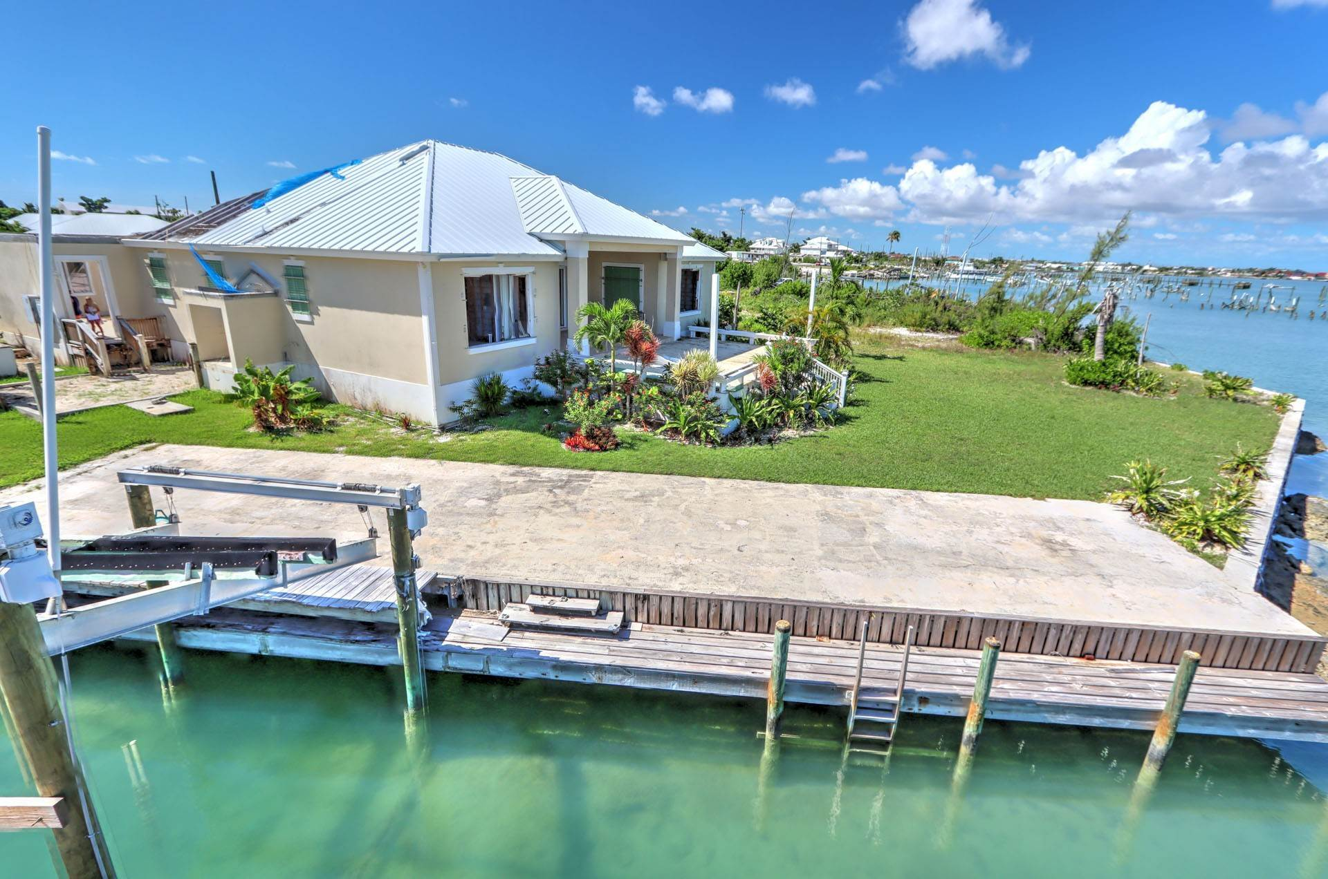 4. Single Family Homes por un Venta en #2 Royal Harbour, Marsh Harbour View Stately Home - MLS 41825 Marsh Harbour, Abaco, Bahamas