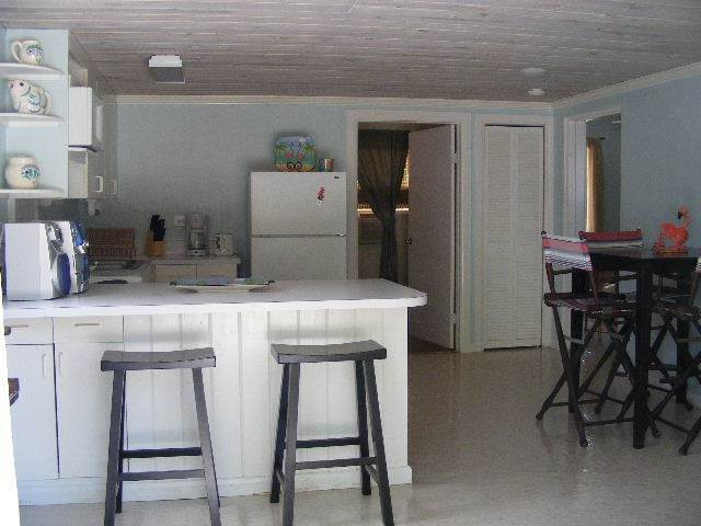 6. Single Family Homes por un Alquiler en A Rental With A Dock Slip At Your Back Door! - Exciting NEW PRICE Deduction! Marsh Harbour, Abaco, Bahamas