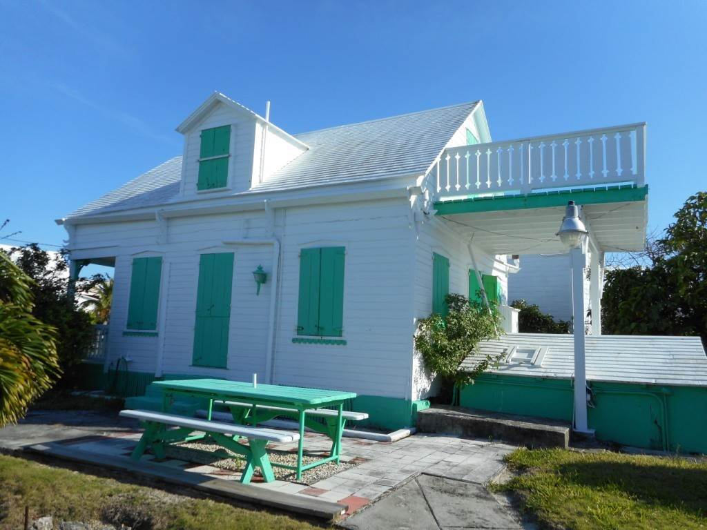 2. Single Family Homes por un Venta en Spanish Wells Historic Cottage Spanish Wells, Eleuthera, Bahamas