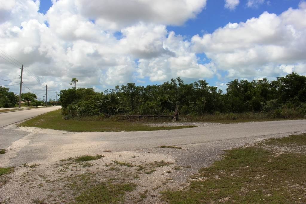 2. Terreno por un Venta en Single Family Lot on Yorkshire in Bahamia Bahamia, Gran Bahama Freeport, Bahamas