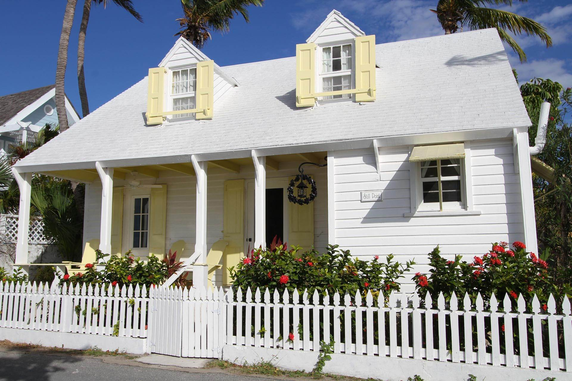 2. Single Family Homes por un Venta en Historic Harbour Front Home Harbour Island, Eleuthera, Bahamas