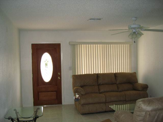 2. Multi Family for Rent at Lovely Duplex in Windsor Park Windsor Bay, Freeport And Grand Bahama, Bahamas