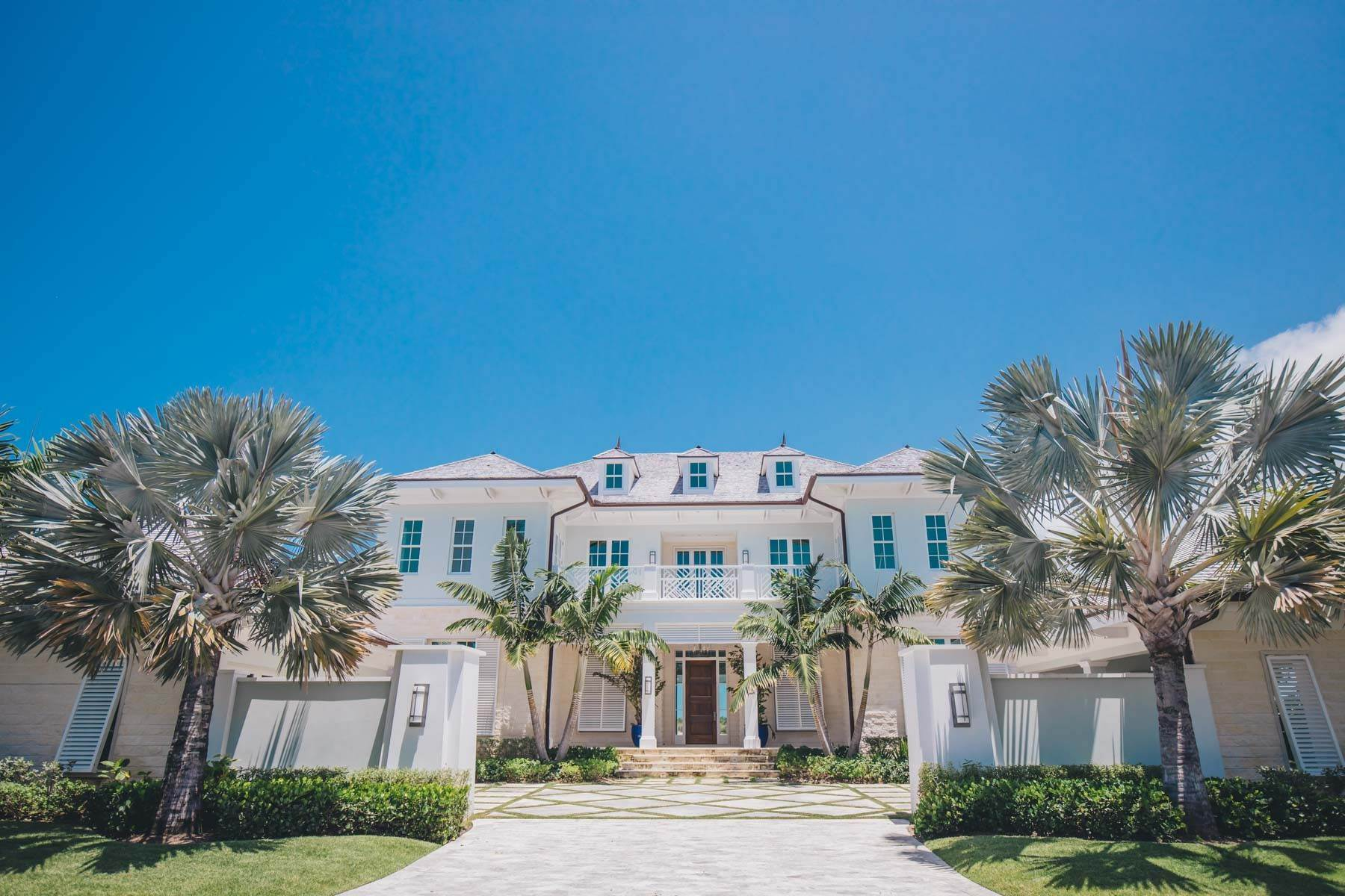 2. Single Family Homes for Sale at Immaculate Albany Golf Course Residence Albany, Nassau And Paradise Island, Bahamas