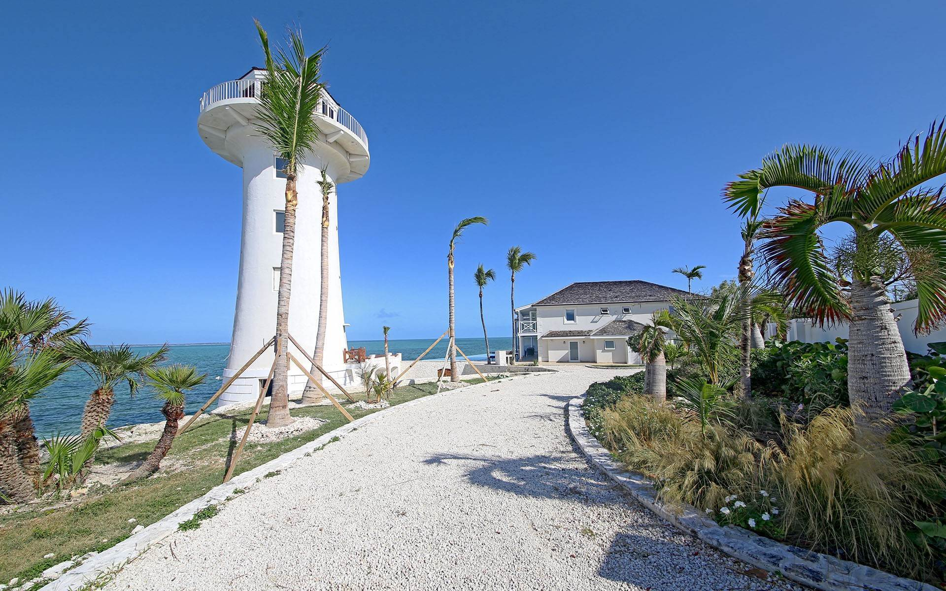 2. Single Family Homes for Sale at Solomon's Lighthouse - Waterfront Estate, Eastern Road - MLS 40121 Eastern Road, Nassau And Paradise Island, Bahamas