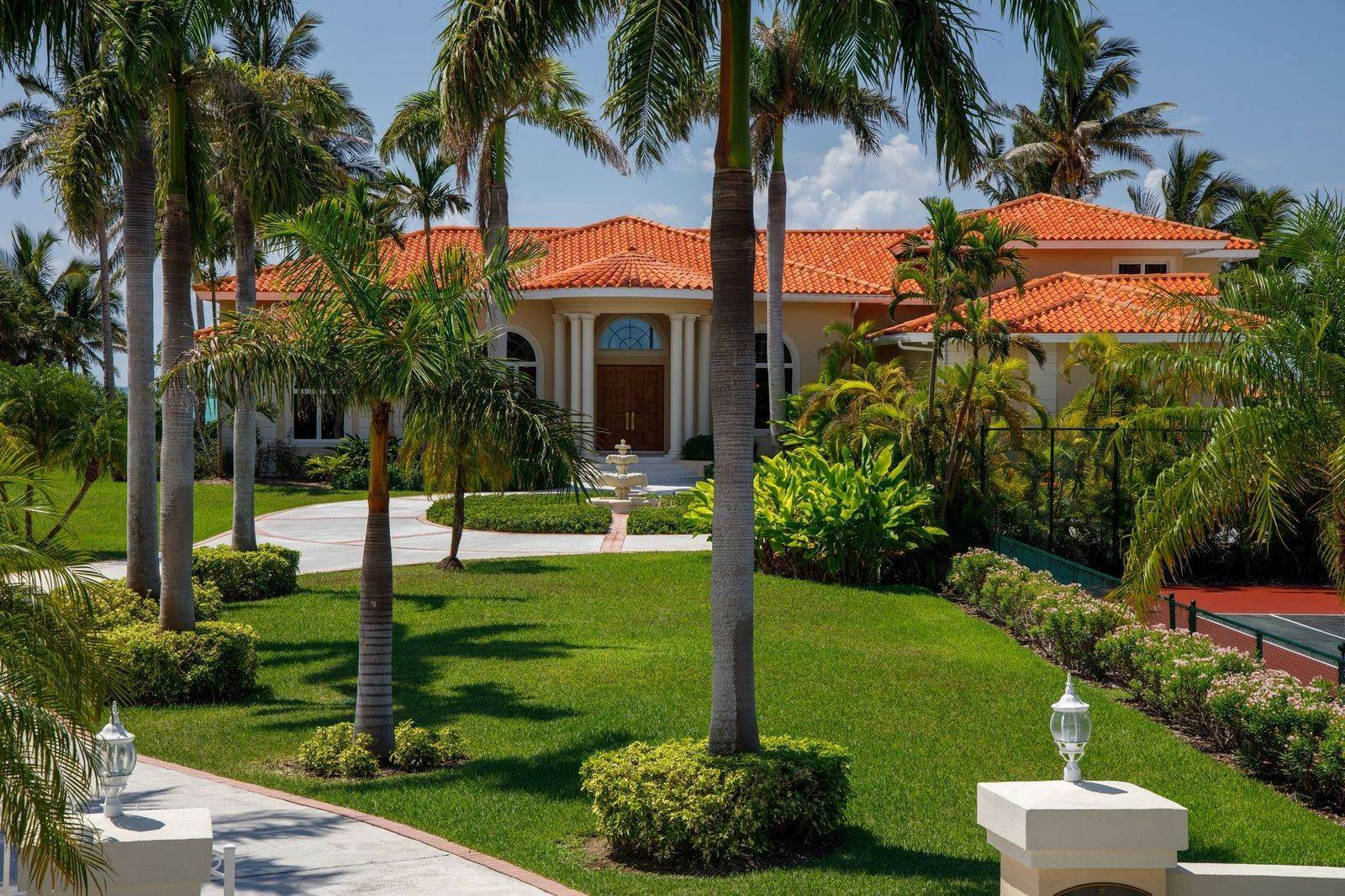 39. Single Family Homes for Sale at The Grand Estate at Fortune Cay - MLS 44053 Fortune Cay, Freeport and Grand Bahama, Bahamas