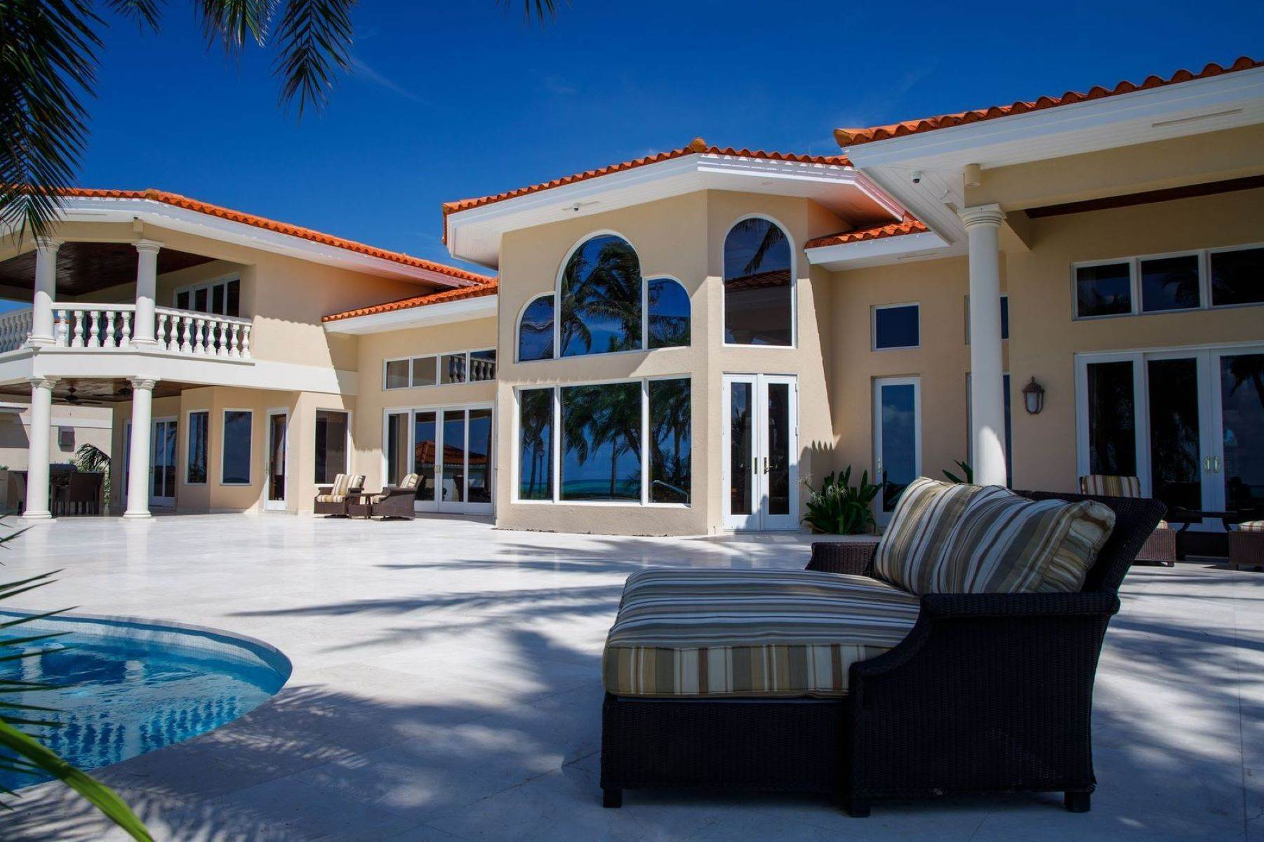41. Single Family Homes for Sale at The Grand Estate at Fortune Cay - MLS 44053 Fortune Cay, Freeport and Grand Bahama, Bahamas