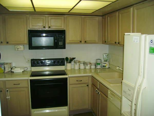 4. Co-op / Condo for Rent at Lovely Two Bedroom Condo Greening Glade, Freeport And Grand Bahama, Bahamas