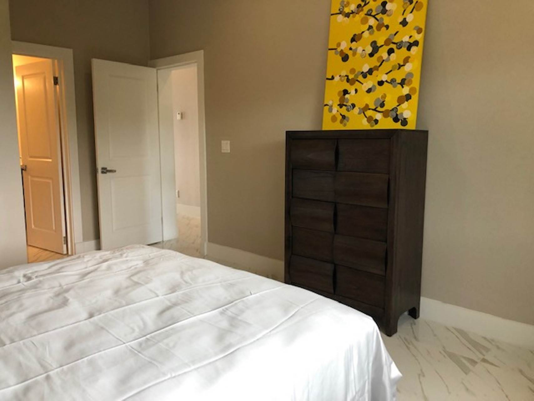 6. Co-op / Condo for Rent at Modern and renovated townhouse rental in Cable Beach Westridge Estates, Westridge, Nassau And Paradise Island Bahamas