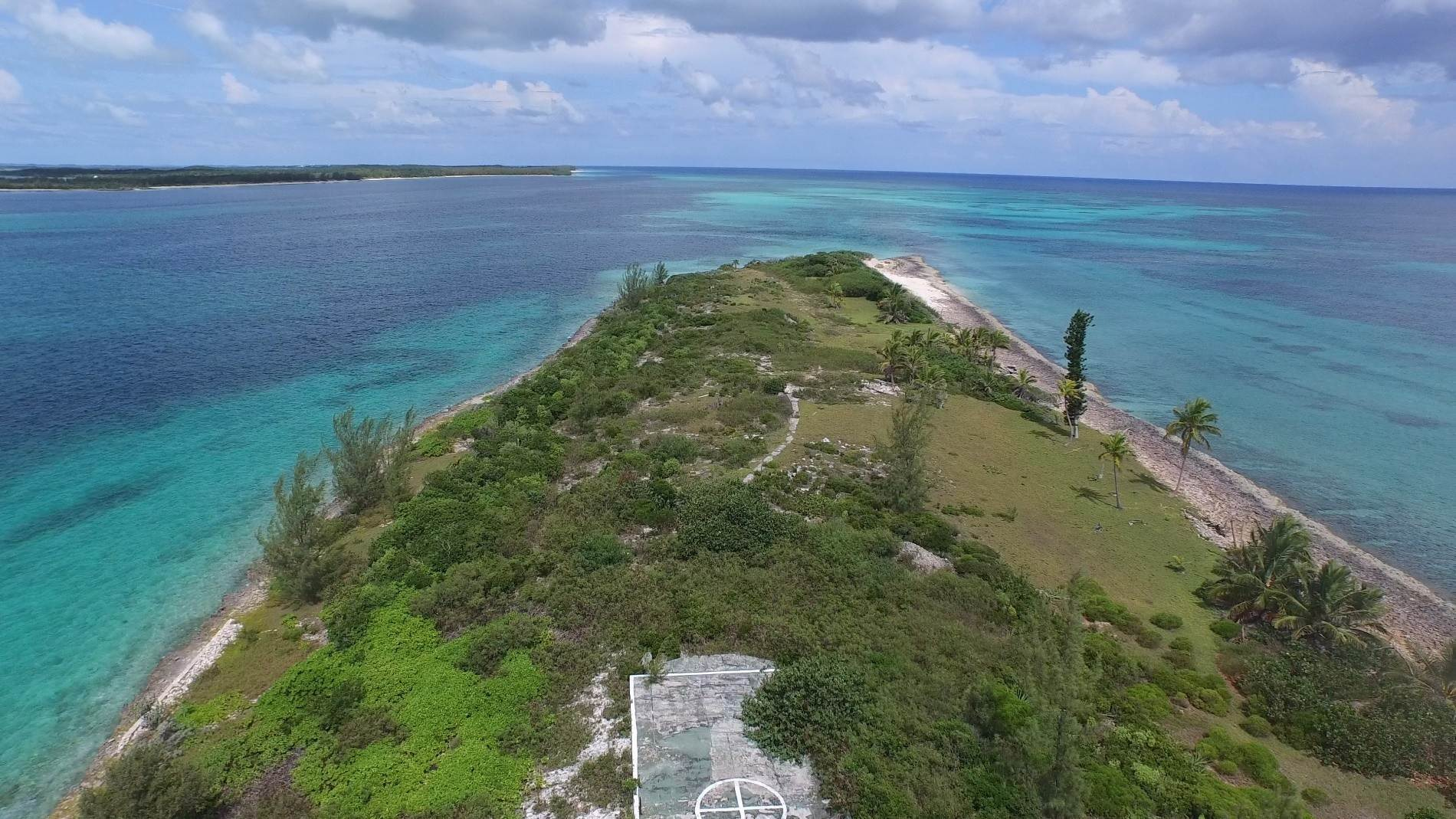 22. Private Islands for Sale at Pierre Island, A Perfect Private Retreat Island Near Harbour Island - MLS 40806 Harbour Island, Eleuthera, Bahamas