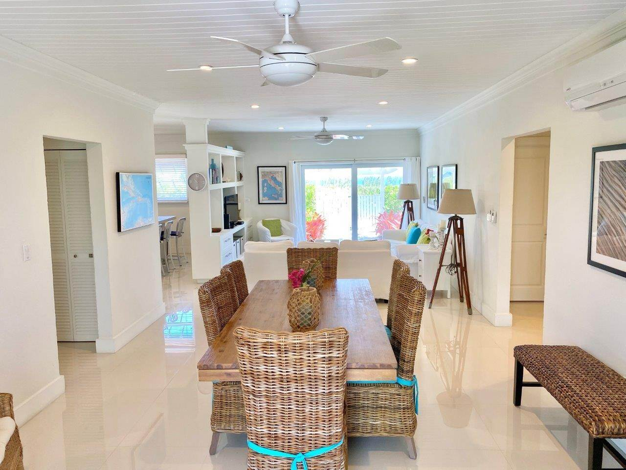 17. Single Family Homes for Sale at Fabulous Coastal Living Home in Governor's Harbour - MLS 44509 Governors Harbour, Eleuthera, Bahamas