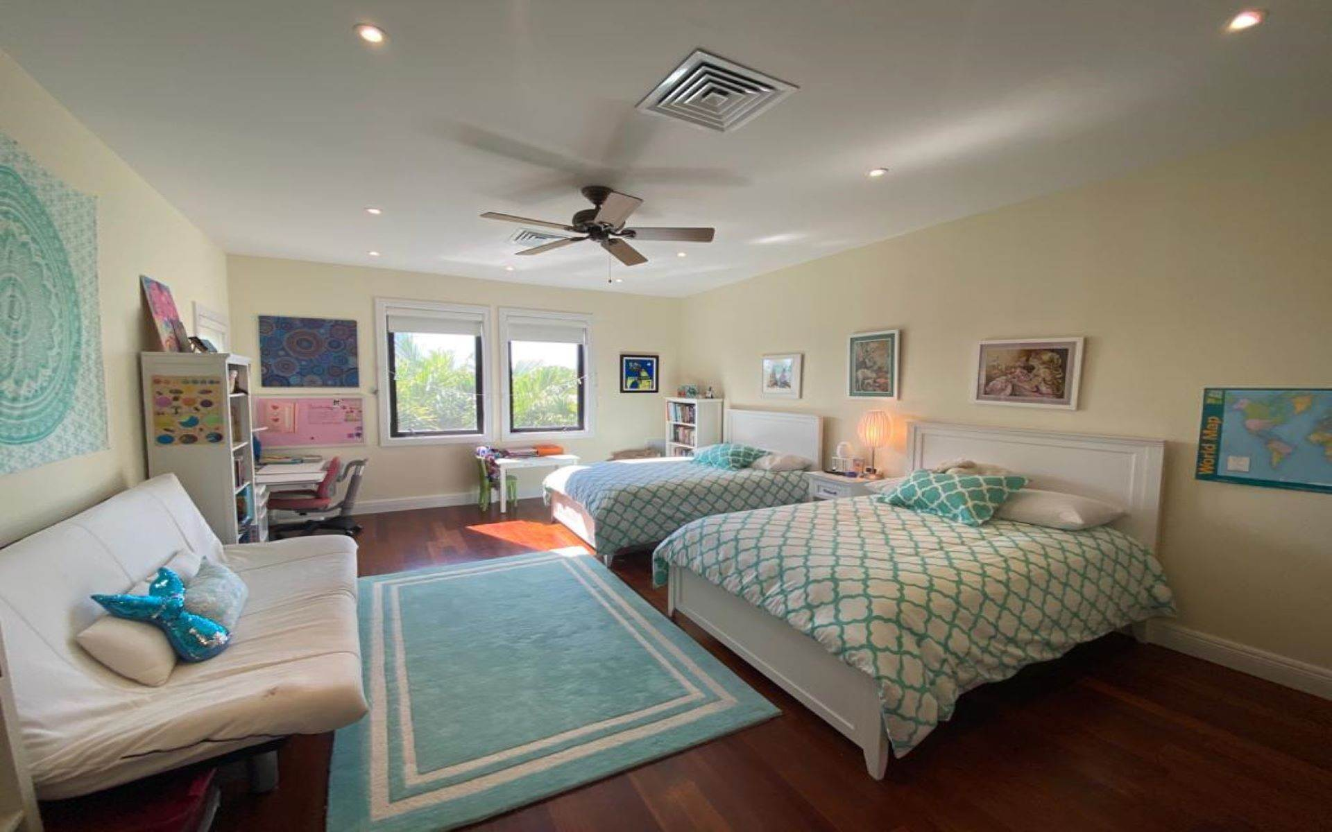 23. Single Family Homes for Sale at Immaculate House on Venetian Lane in Old Fort Bay Old Fort Bay, Nassau And Paradise Island, Bahamas