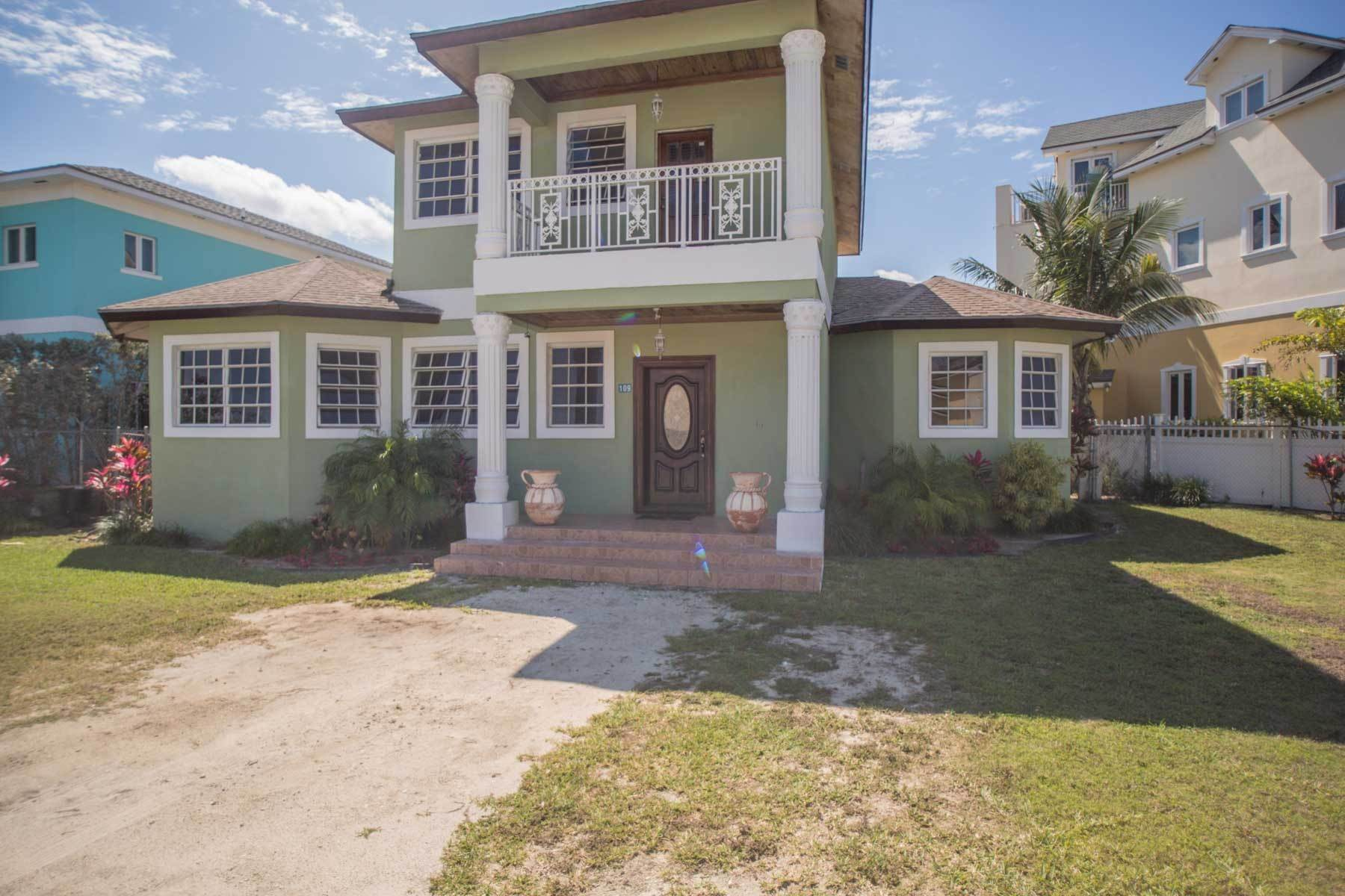 15. Single Family Homes por un Alquiler en Colonial West Two Storey Home for Rent - MLS 42280 Cable Beach, Nueva Providencia / Nassau, Bahamas