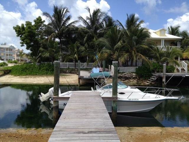 20. Single Family Homes por un Alquiler en Executive canal front home with dock in Sandyport, West Nassau Sandyport, Cable Beach, Nueva Providencia / Nassau Bahamas